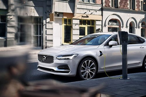 Volvo goes electric. A Volvo being charged.